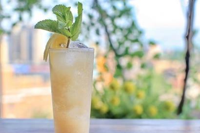 Leaf Bar & Lounge