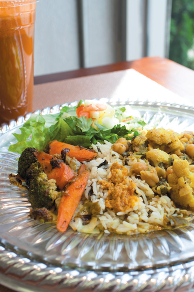 Mother Earth servies fresh-made juices, herbal and vitamin infusions and healthy takes on classic Trinidadian dishes.